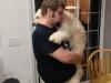 Gastgeber Nick mit seinem Hundewelpen Oliver
