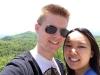 Mandy und ich am Aussichtspunkt