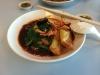 Wanton Mee - Chinesisches Nudelgericht mit Schweinefleisch, Wantans, Pilzen, Spinat und grünen Chillischoten