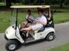 Aaron und Jimmy mit Bier in der Hand. Zum Glück gibt es auf dem Kurs keine Verkehrskontrollen