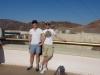Joachim und ich vor dem Damm