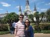Mandy und ich vor der St. Louis Kathedrale