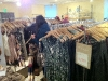 Mandy im Einkaufsrausch