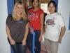 Jutta (Fulbrighterin aus Deutschland), eine Studentin der Schule und Mandy