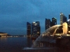 Blick vom Central Business District: Singapur bei Nacht