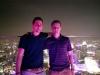 """Gerrit und ich auf der Rooftop-Bar """"One Altitude"""""""