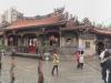 Der Lungshan Tempel von außen...
